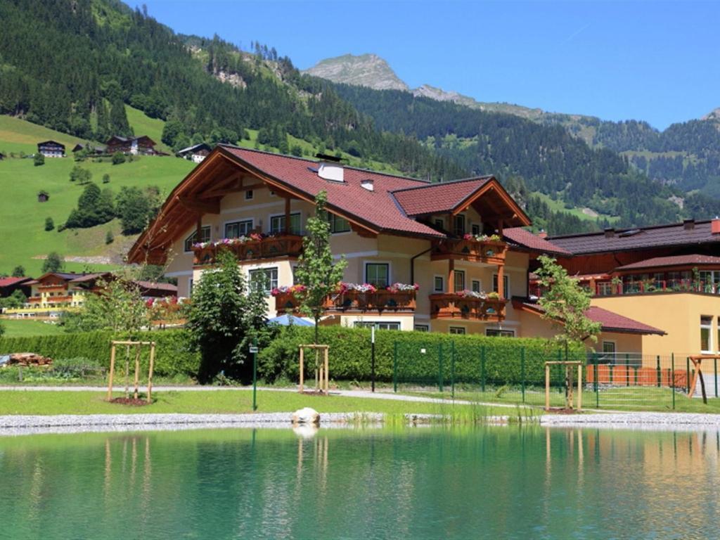 Apartment haus am see 2 grossarl austria for Apartment haus