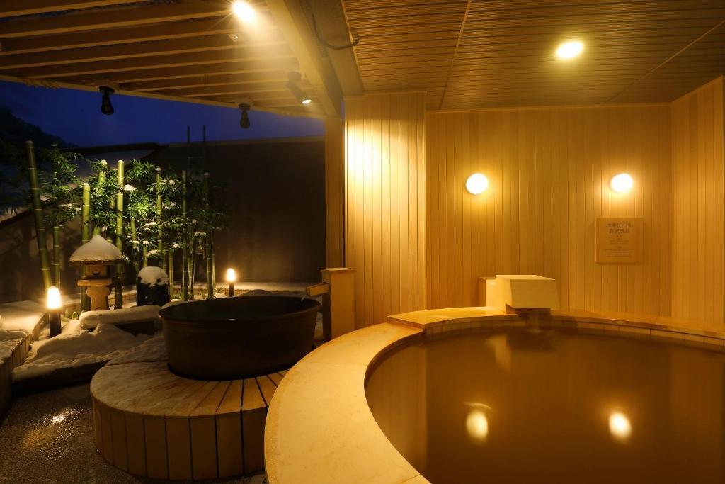 ポイント3.イメージは日本庭園!なお風呂
