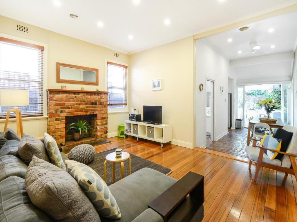 Vacation home boutique stays clifton park melbourne for Boutique stays