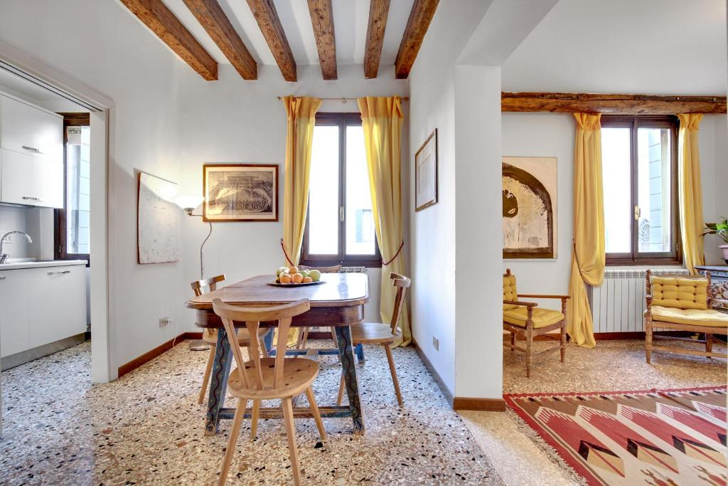 Accademia Art Apartment (Italien Venedig) - Booking.com