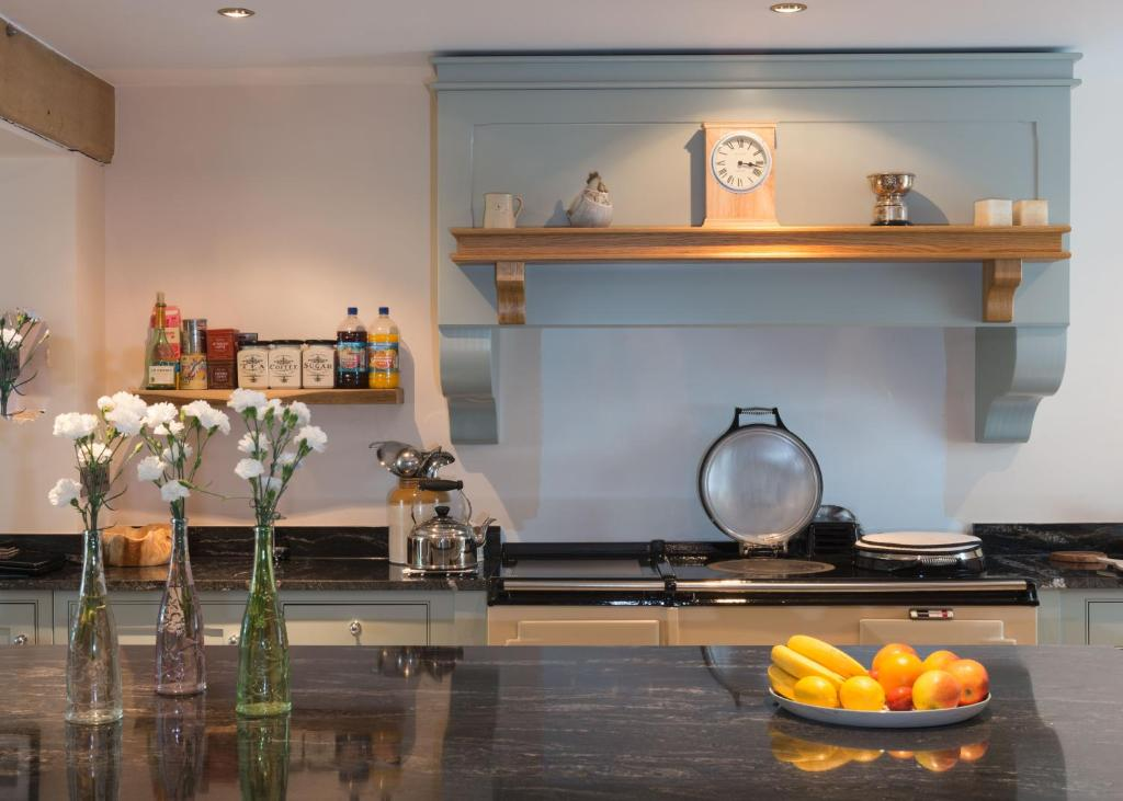 A kitchen or kitchenette at Bishopcleugh Guest House