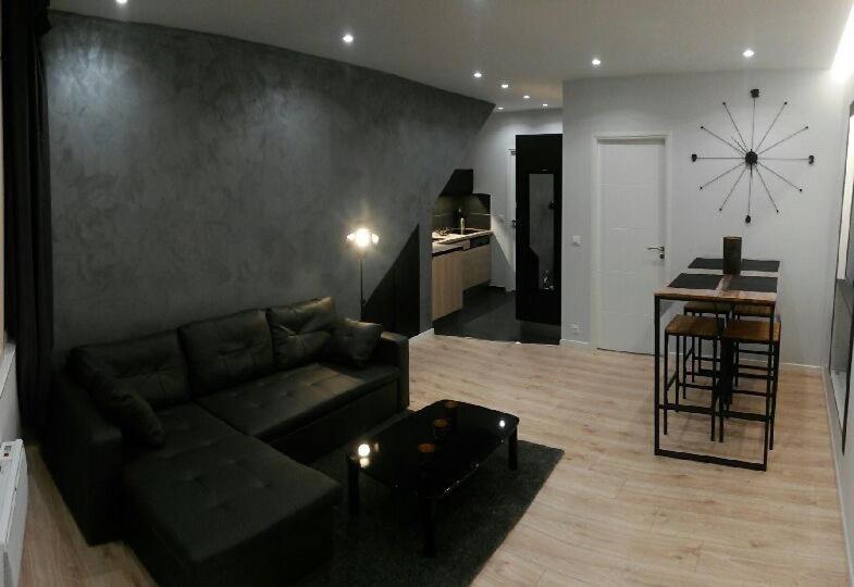 charmantes appartement design singapur, beautiful apartment, menton, france - booking, Design ideen