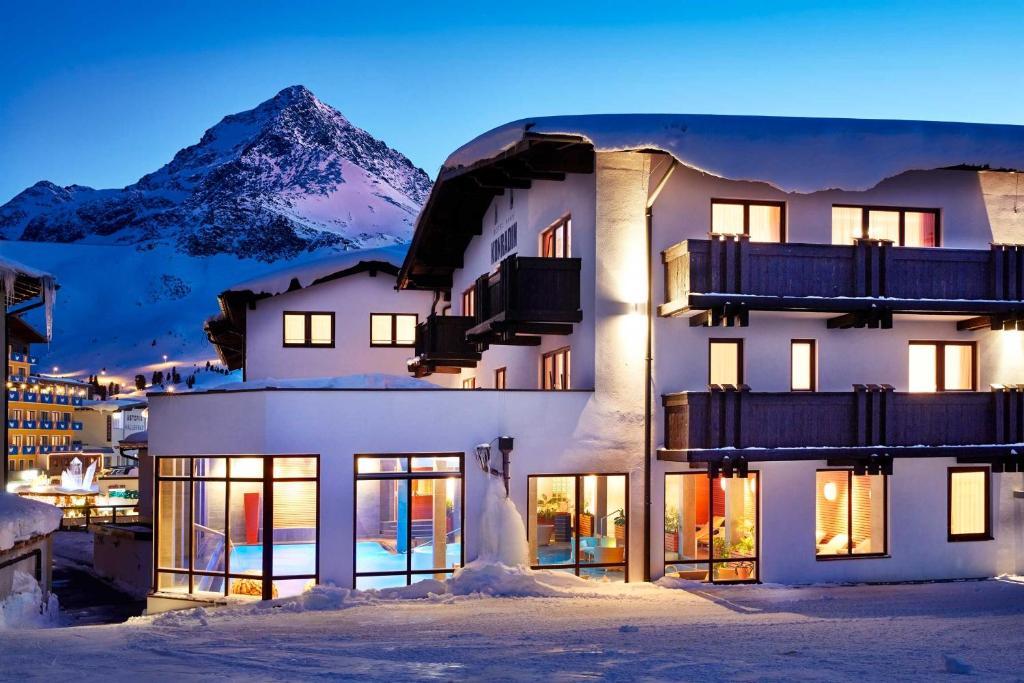 Hotel Konradin Kuhtai Austria Booking Com