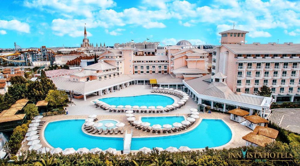 Почувствуйте себя знаменитостью благодаря великолепному сервису в Innvista Hotels Belek