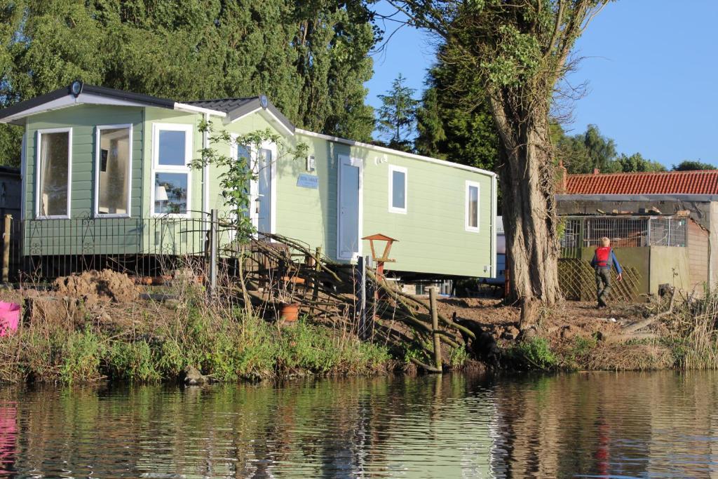 Lodge Marshlands Lakeside Nature Retreat Barton upon Humber UK