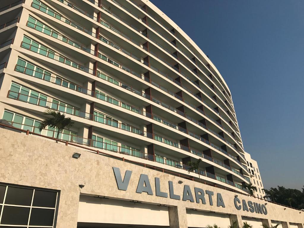 Craigslist Puerto Vallarta >> Deck 12 Casino Puerto Vallarta Casino Free Slots Kitty Glitter