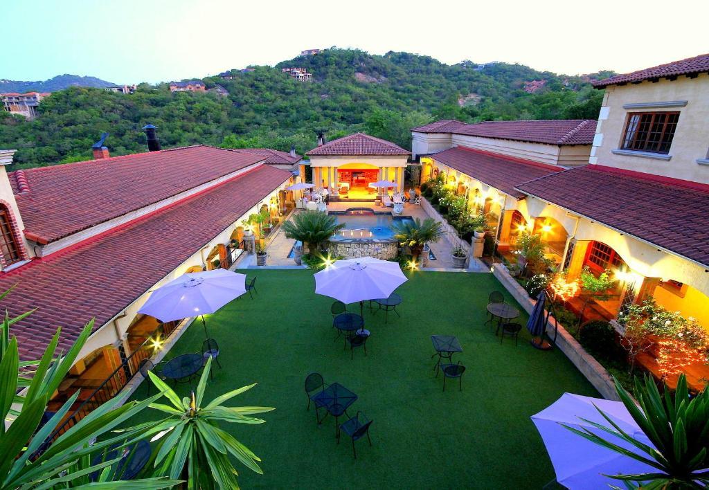 A view of the pool at La Villa Vita or nearby