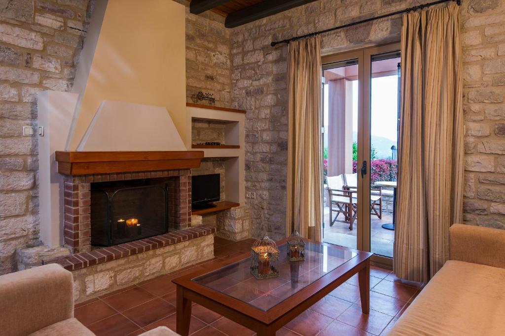 Дом в деревне в Кипарисия