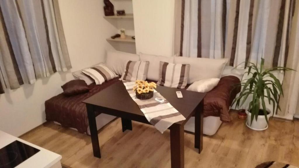 Апартамент за Гости - Равда