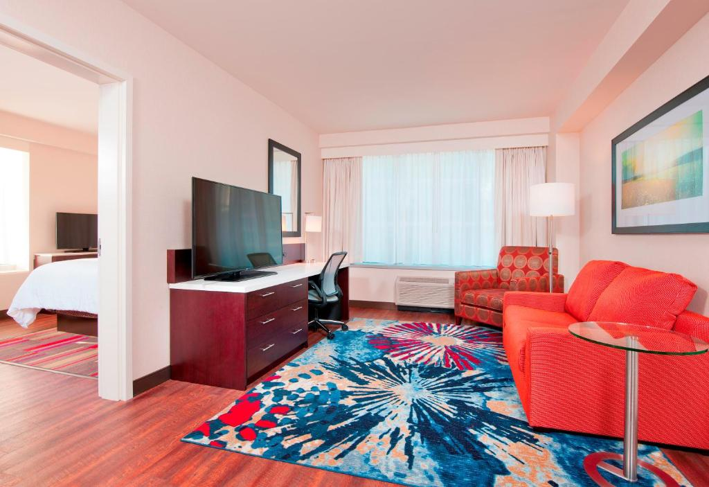 hilton garden inn pittsburgh downtown reserve now gallery image of this property gallery image of this property gallery image of this property gallery - Hilton Garden Inn Pittsburgh Downtown