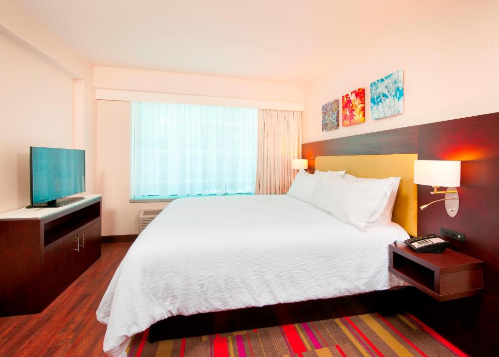 gallery image of this property - Hilton Garden Inn Pittsburgh Downtown