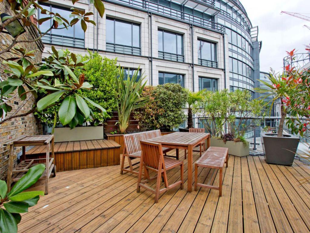 Appartamento poppins court regno unito londra for Somerset hotel londra