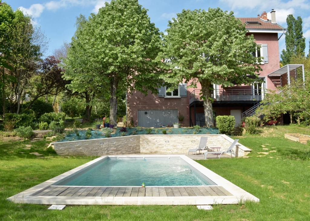 la villa rose saint cyr au mont d or tarifs 2018. Black Bedroom Furniture Sets. Home Design Ideas