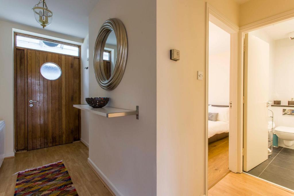 Temple Bar Apartments - Crow Street 24, Dublin - Updated ...