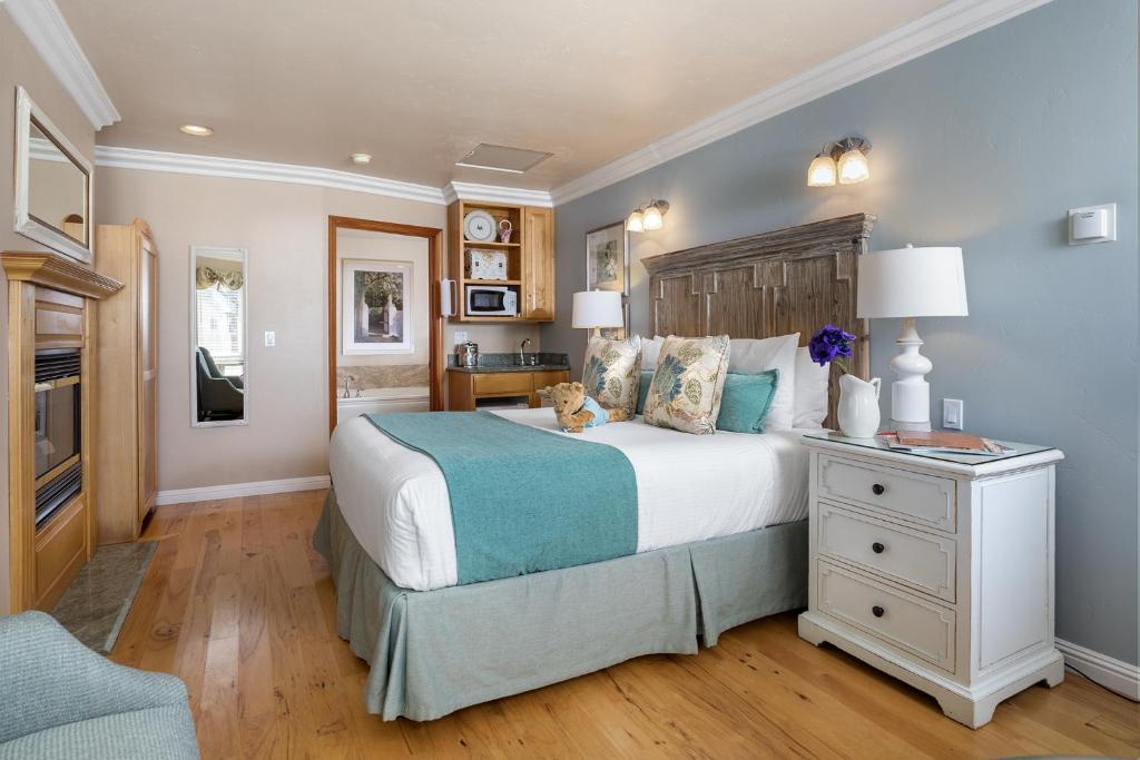 moonstone cottages cambria ca booking com rh booking com  moonstone cottages cambria california
