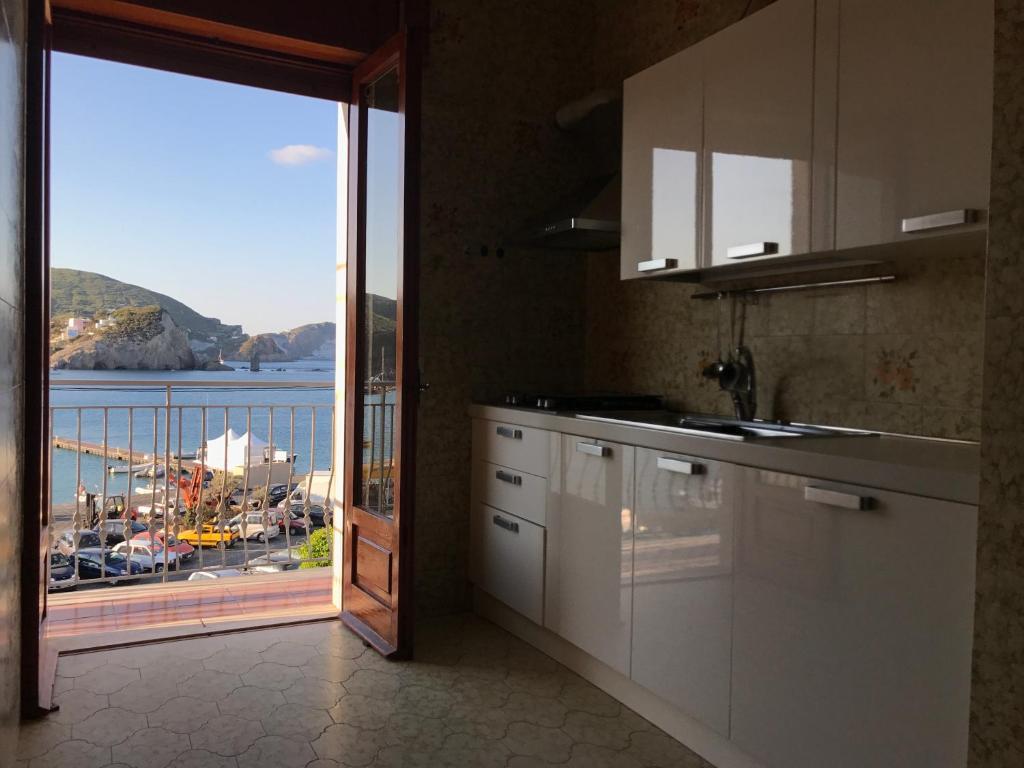 Porto di Ponza - Immobilevante, Ponza – Prezzi aggiornati per il 2018