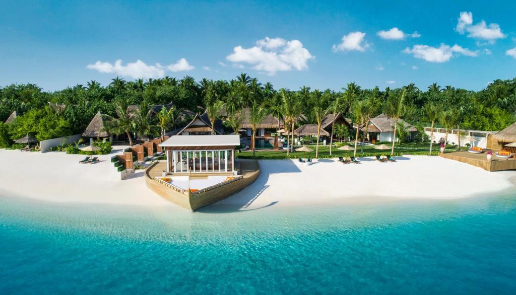 Самый дорогой отель на Мальдивах