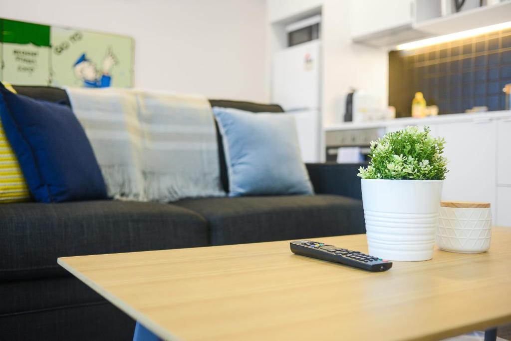 apartment canvas suites on a beckett melbourne australia booking com