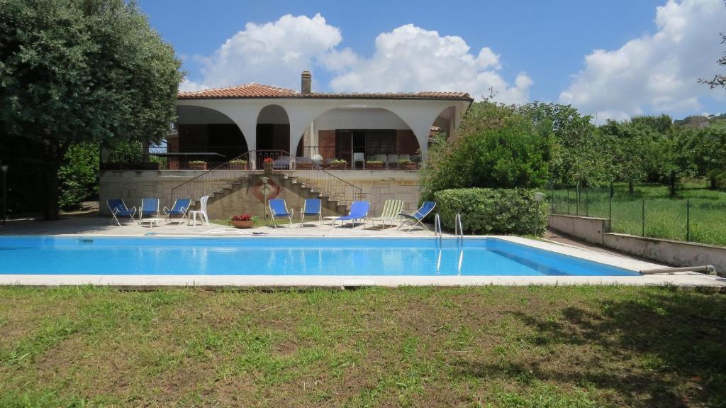 La Credenza Ristorante Marino : Villa sole marino italy booking.com