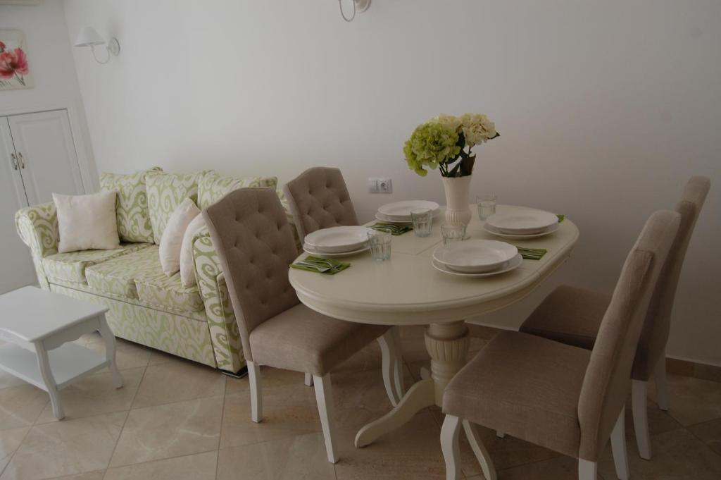 Апартамент Sanisidro - Flores Garden - Черноморец