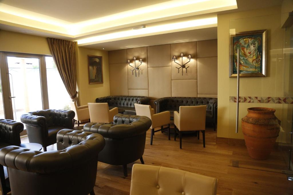 A seating area at Hotel Ponte Sor
