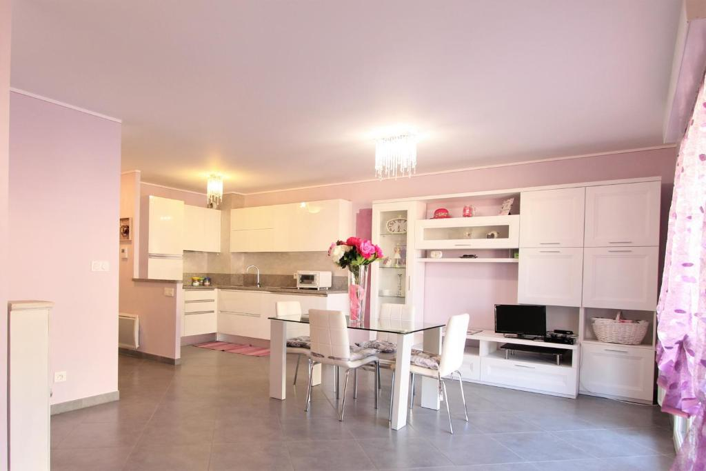 Appartement Lilla by Connexion, Menton, France - Booking.com