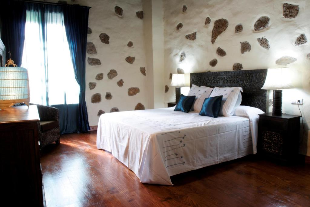 boutique hotels in la oliva  19