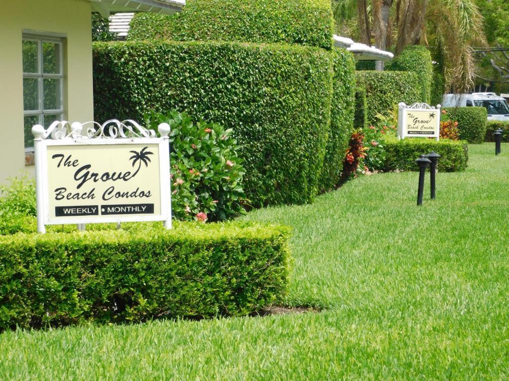 Apartment The Grove Beach Condominiums, Delray Beach, FL - Booking.com