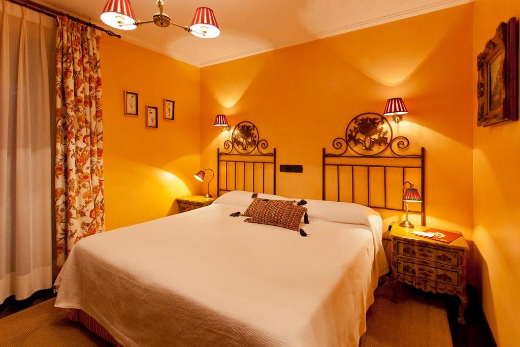 hotels with  charm in navalonguilla  6
