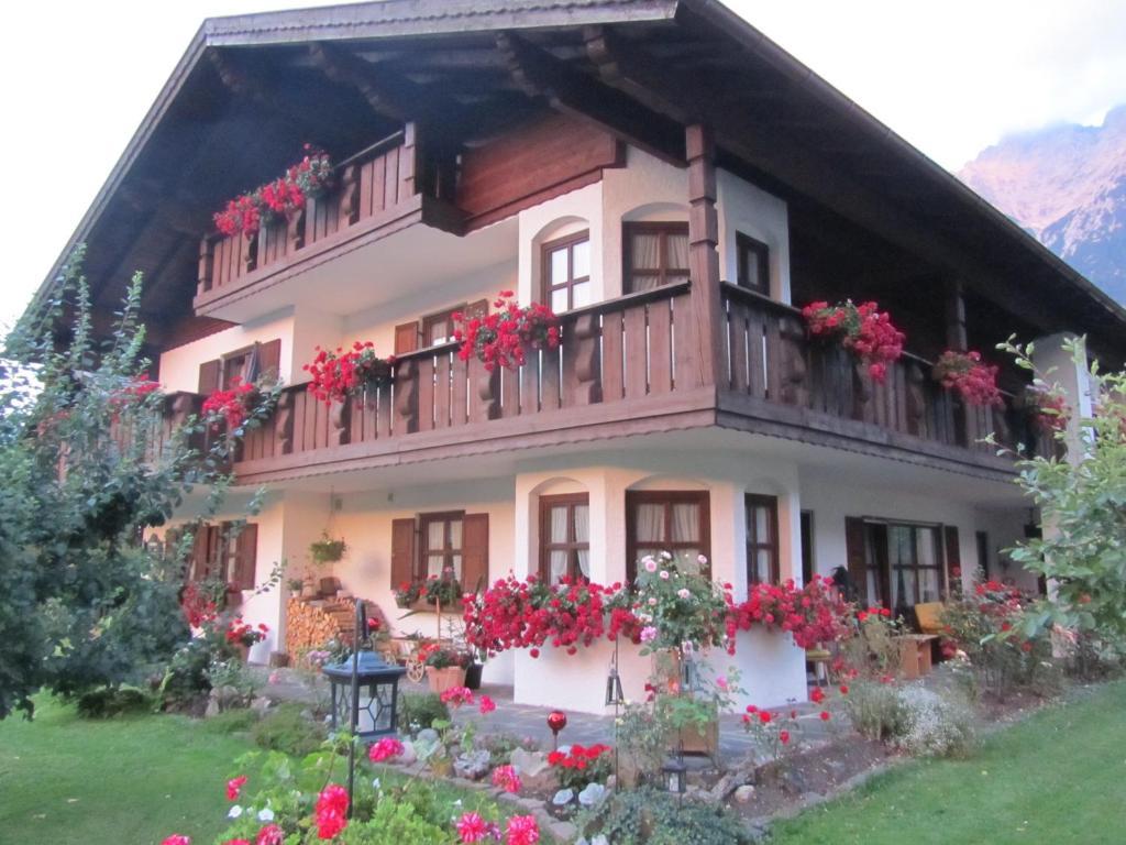 Ferienwohnung Landhaus Sailer (Deutschland Mittenwald) - Booking.com