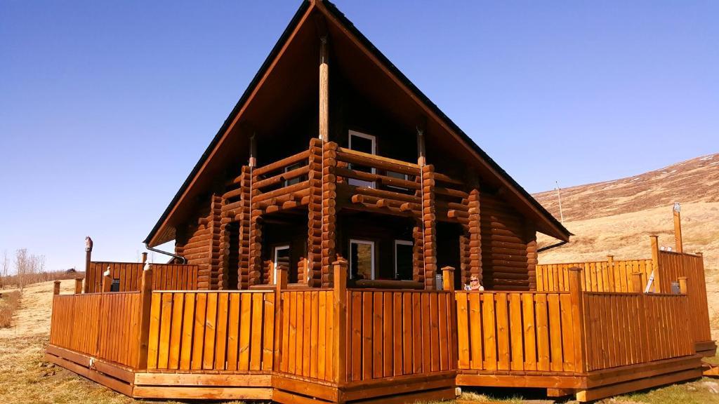Akureyri log cabin akureyri harga terkini 2018 for Stili di log cabin