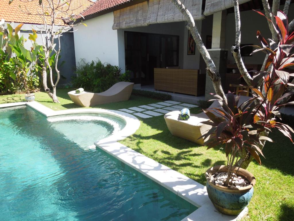 charming 3 bedroom villa in seminyak oberoi, indonesia - booking