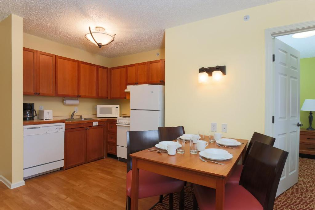 Hotel TownePlace Suites Lubbock, TX - Booking.com