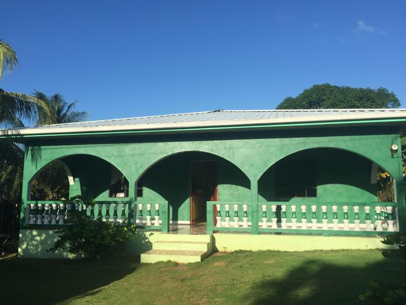 The Greenhouse Hostel Little Corn island