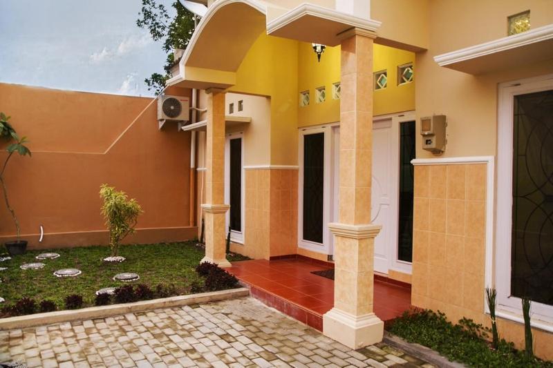 Griya Asri Guest House Yogyakarta Indonesia Booking Com