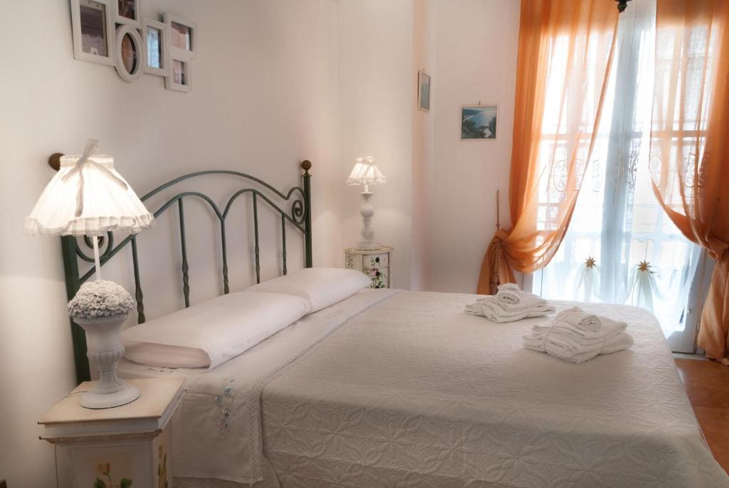 Bed and Breakfast Una Terrazza sul Mare, Gaeta, Italy - Booking.com