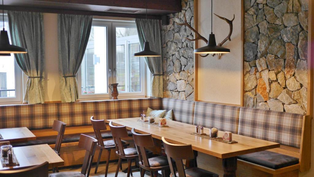 Schiefer Im Bad guesthouse gasthof schiefer bad kreuzen austria booking com