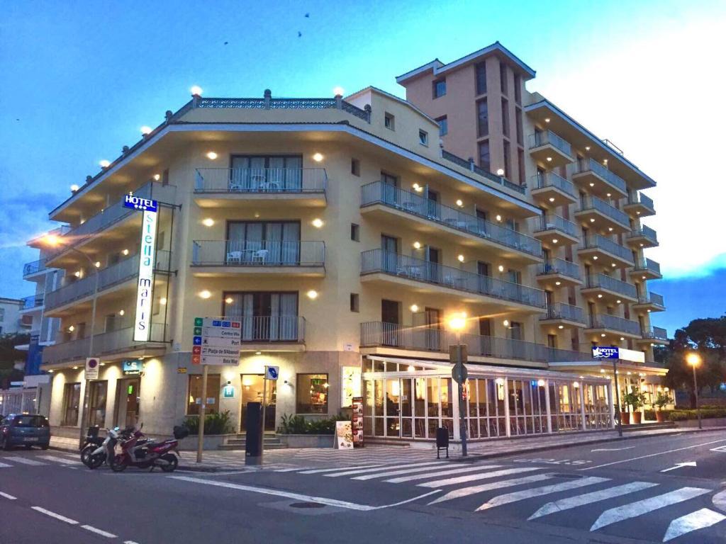 Испания! Замечательный экономичный отель рядом с пляжем!