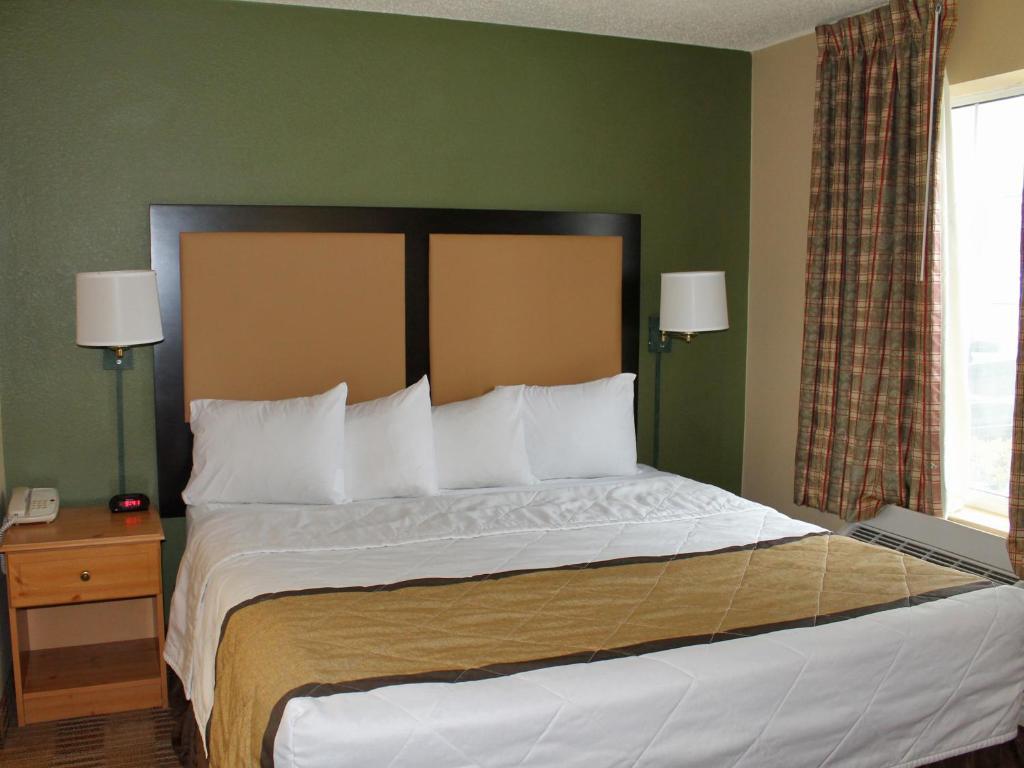 Hotel Stay America Newark, Woodbridge, NJ - Booking.com