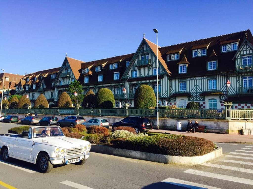 Apartment studio trouville sur mer trouville sur mer france - Office du tourisme de deauville trouville ...