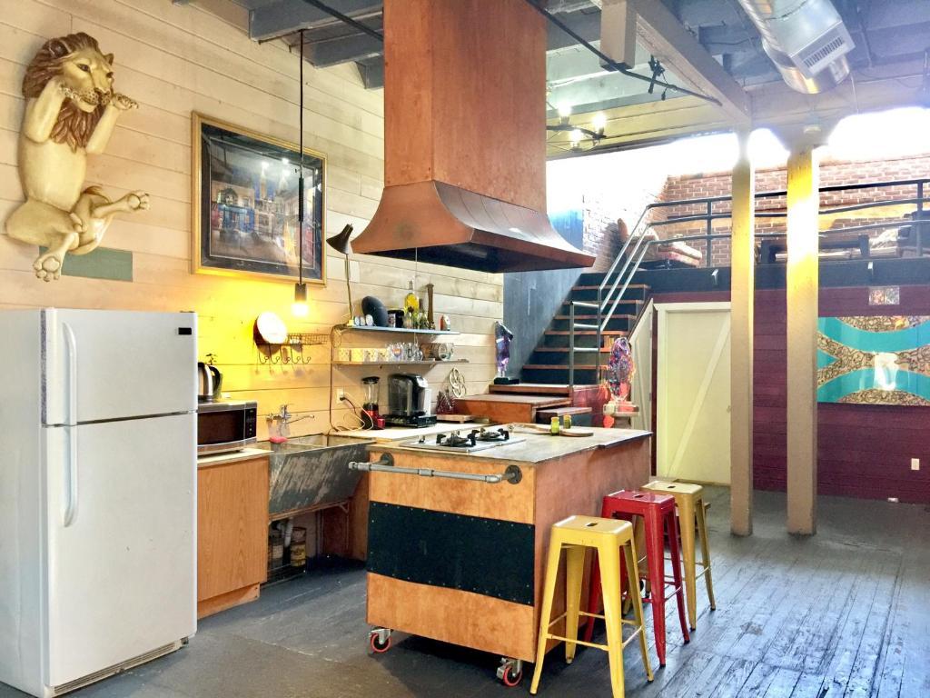 Apartment Arts District Rustic Loft Los Angeles Ca