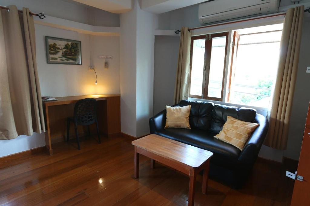 Chanchala Cafe Hostel Hua Hin Thailand Rooms