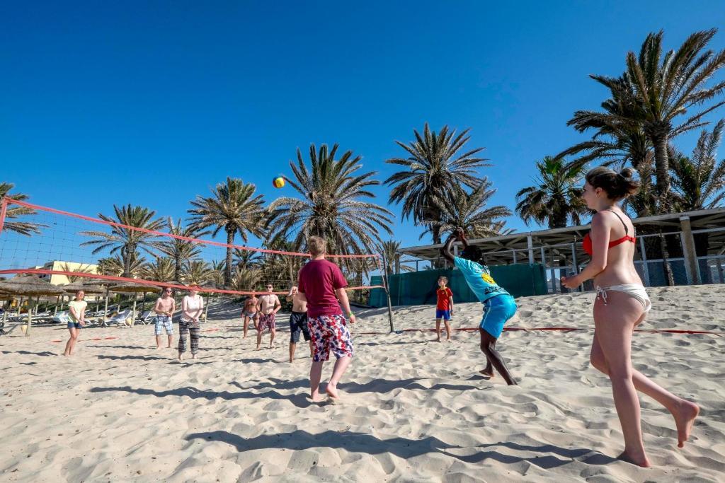 Популярный курорт Монастир с прекрасными пляжами,  уютной мединой с массой исторических достопримечательностей,  а также близостью к молодежному веселому Суссу