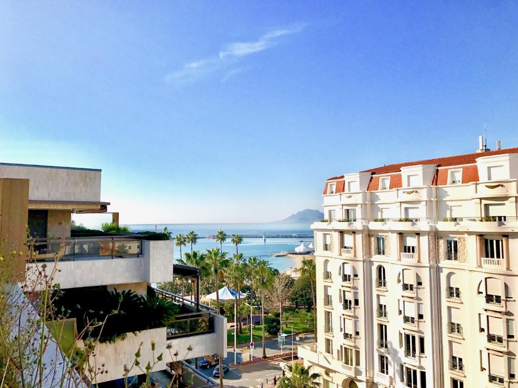 Hotel gray d 39 albion cannes email address for Hotels cannes