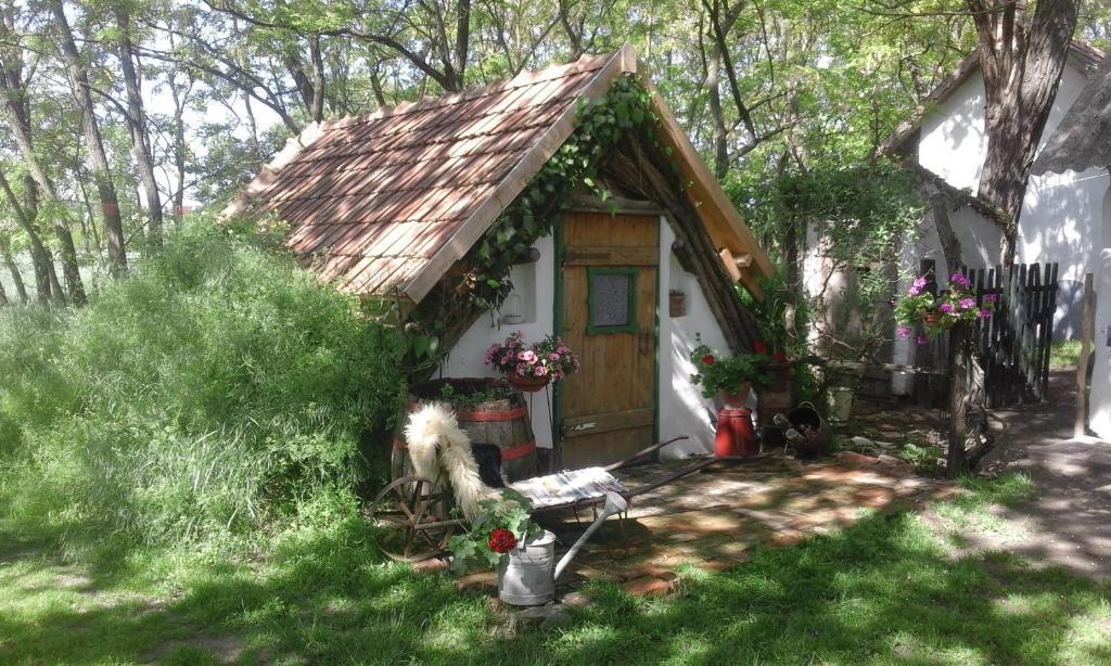 Outdoorküche Camping Ungaran : Chy kara farm camping ungarn pálmonostora booking.com