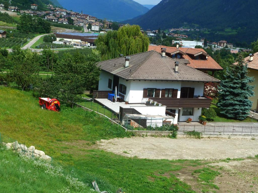 Casa Con Giardino Bovezzo : Casa con giardino malè prezzi aggiornati per il