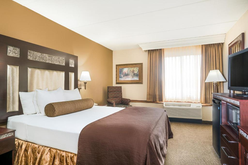 Ramada Plymouth Hotel And Conference Center Usa Deals