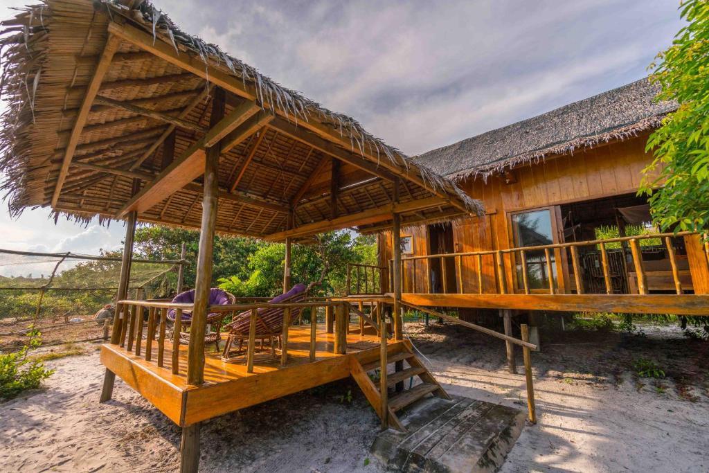 royalretreat resort koh rong sanloem cambodia booking com rh booking com