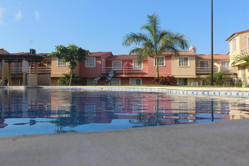 Holiday home casa bonita ixtapa zihuatanejo mexico for Booking casas