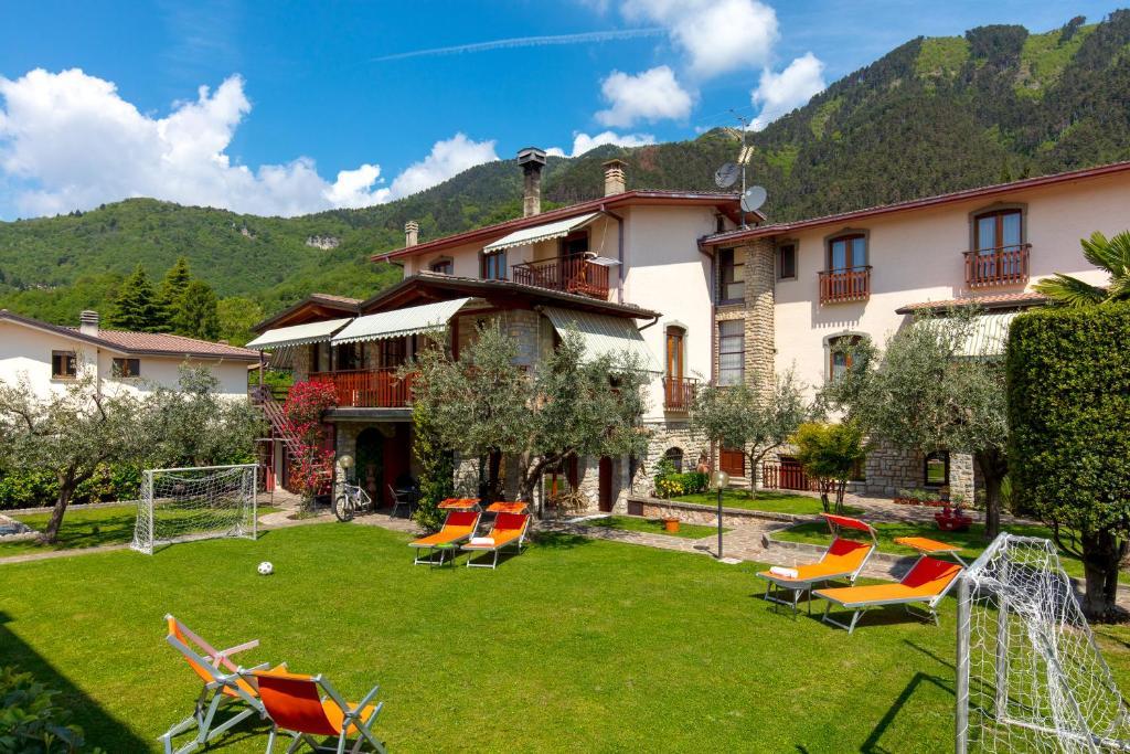 Divano Maria Rosa : Villa mariarosa apartments tignale u prezzi aggiornati per il